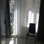 Porte-fenêtre de la chambre